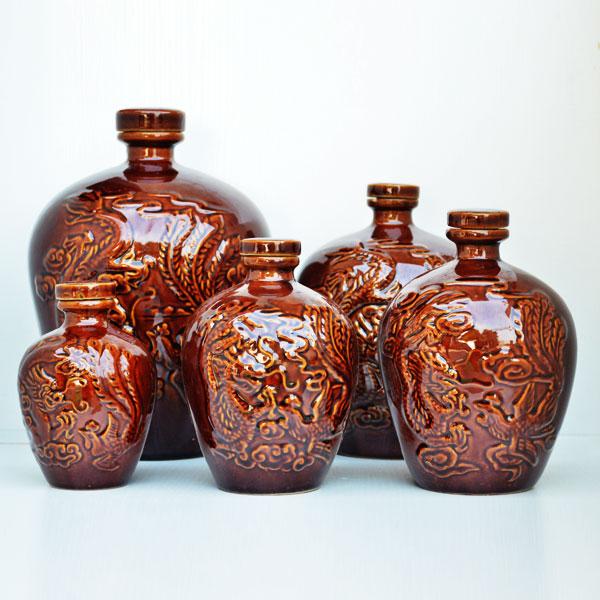贵州通用龙凤纹陶瓷酒瓶