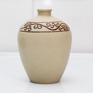 白色陶瓷素烧酒瓶