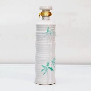 高档竹纹陶瓷酒瓶