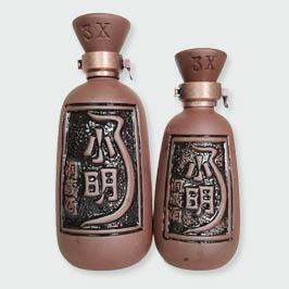 高档小明洞藏威陶瓷酒瓶